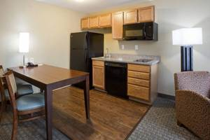 Extended Stay Suite with Full Kitchen!