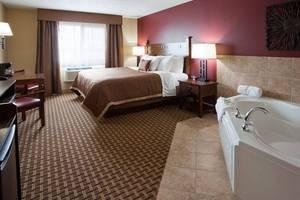 King Whirlpool Suite