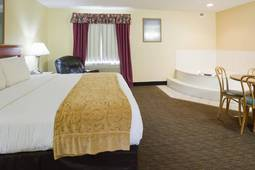 King Executive Whirlpool Suite