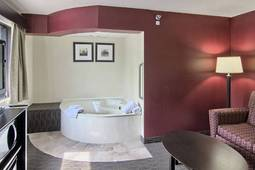 King Two Room Suite with Jetted Tub
