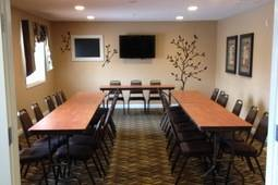 Business Meeting Traveler Deal - Pipestone, MN